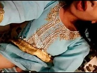 Pakistani girl exposing her self