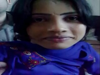 Pakistani Whore Forced to Show Boobs on Camera