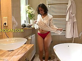Indian bhabhi nude shower video showing her desi pussy, ass and boobs