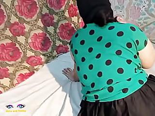 Desi paki xxx pornstar netu roleplay as maid and adult hot talks in clear hindi audio, asian bhabhi gorgeous netu looks sex boomb in green dress